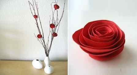 Florero con flores de papel