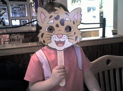 Antifaz para niño con forma de gato