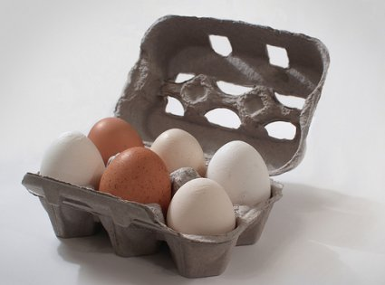 Crear manualidades con cajas de huevos