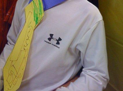 Hacer una corbata con papel